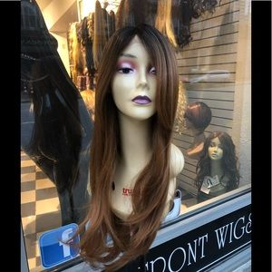 Accessories - Long beautiful warm brown ombré wig layers 2019